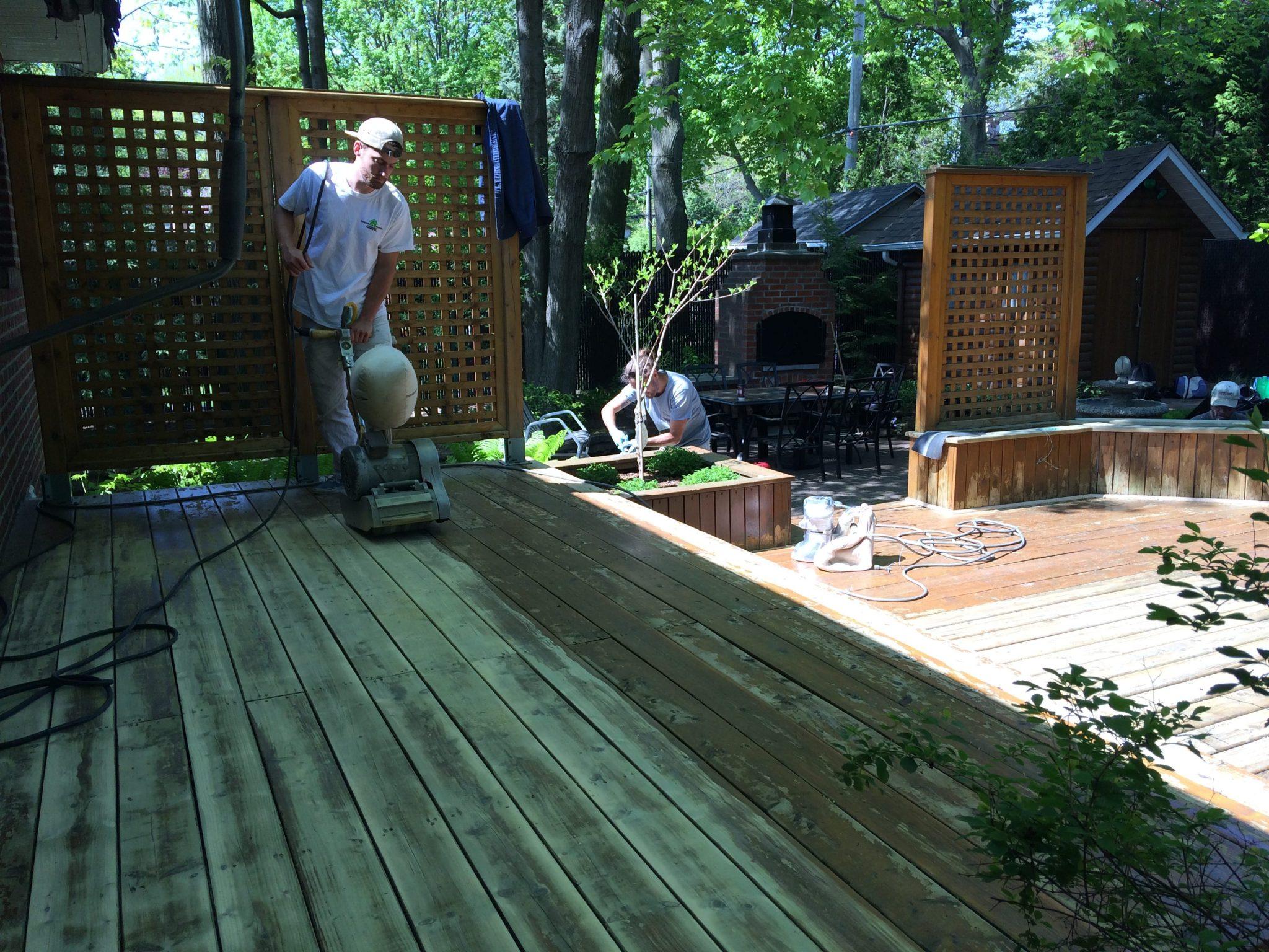 Teinture de bois extérieur